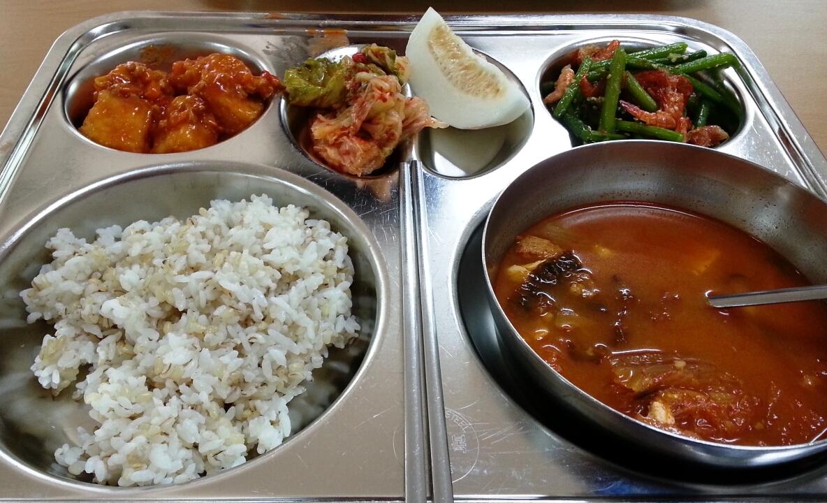 the best way to serve kimchi essay Fermenting, kimchi, kefir, kombucha, probiotics & spirits kimchi, kefir, kombucha, probiotics & spirits by christinfmullen here are 20 of the best ways to.