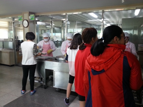 """At both of my schools, students are served by """"lunch ladies"""" and each homeroom class sits together with their teacher in the lunch hall. Some schools have a buffet style and eat in their homeroom classrooms."""