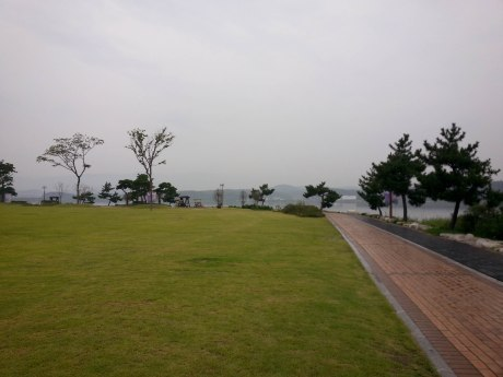 A park with fancy bathrooms on the edge of Gyeongpo Lake.